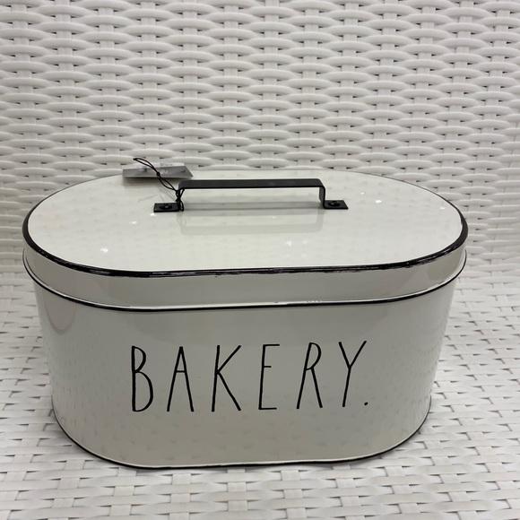 rae dun bakery